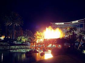 ラスベガスで火山が噴火!ホテル「ミラージュ」で砂漠のオアシスを探検しよう