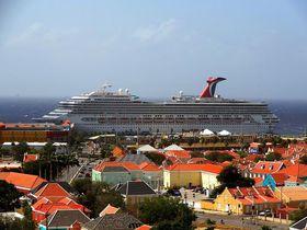 豪華客船「カーニバルクルーズライン」でカリブ海の島々をめぐる!