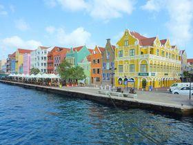 おとぎの国!?カリブ海・キュラソー島の世界遺産はパステルカラー!