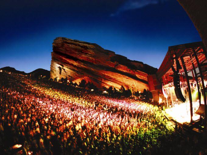 全米ナンバー1の野外劇場で幻想的なライブを見よう