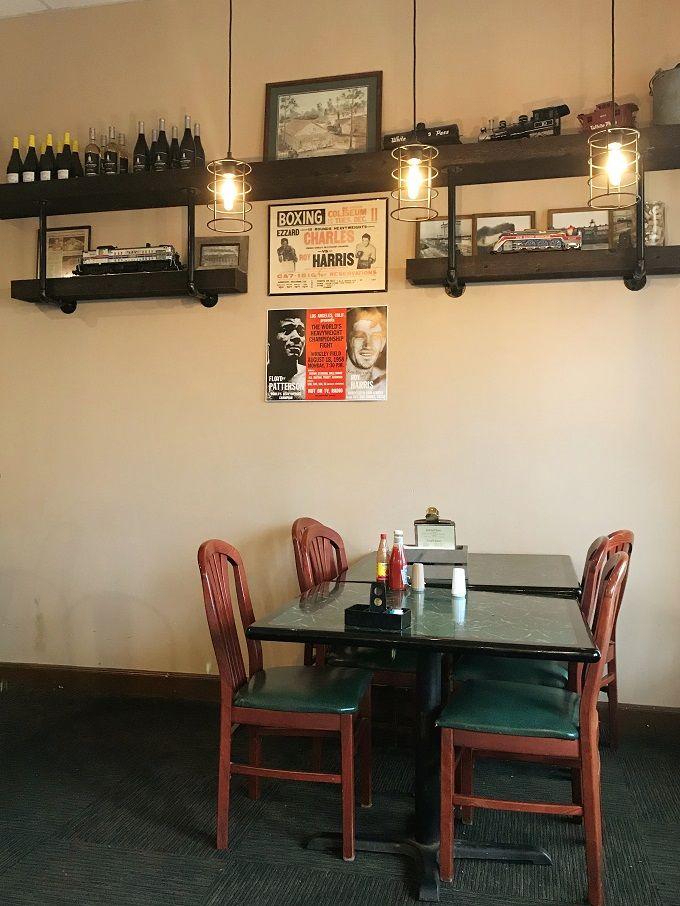 線路沿いの隠れ家カフェ「ホイッスルストップカフェ」