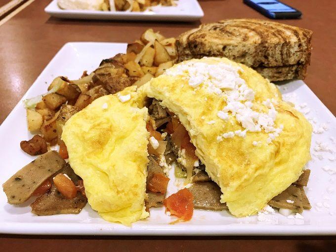 「105カフェ」のこだわり卵料理でブランチしよう