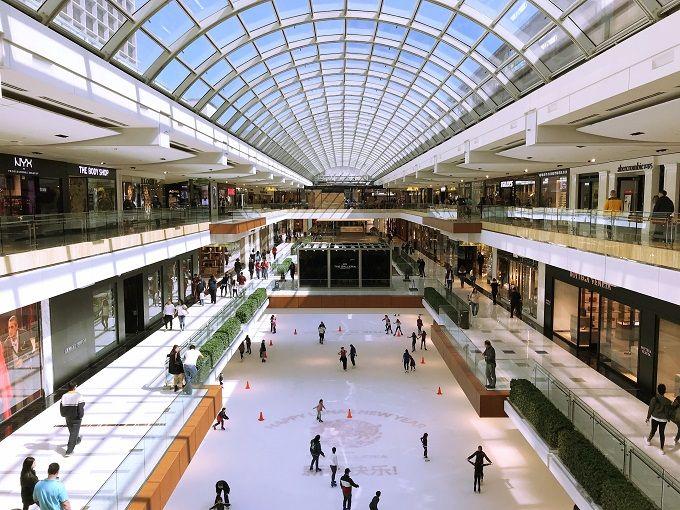 夕方〜夜:観光の締めくくりは州最大のショッピングモールで