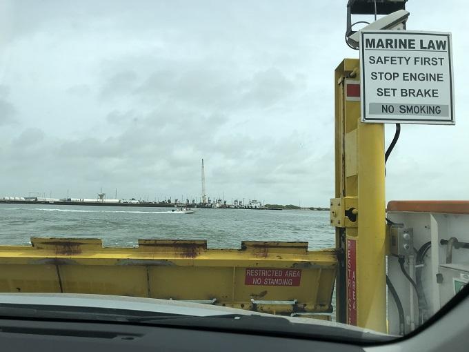 港湾都市を120%楽しむならレッツ、クルージング!