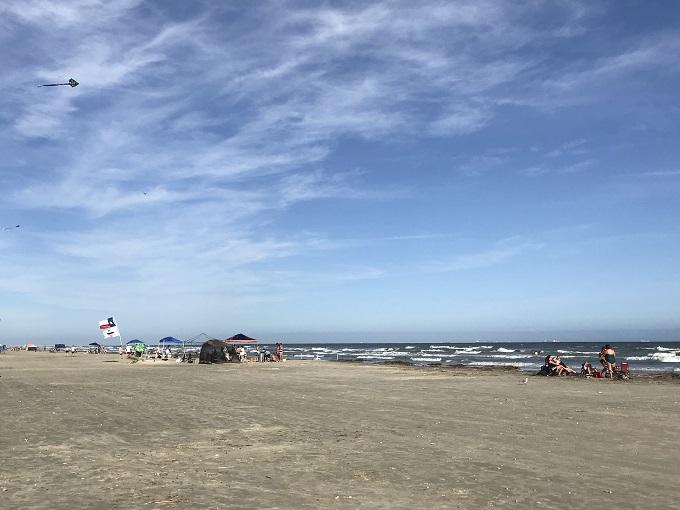 ビーチ&観光スポットにも近くて便利な好立地