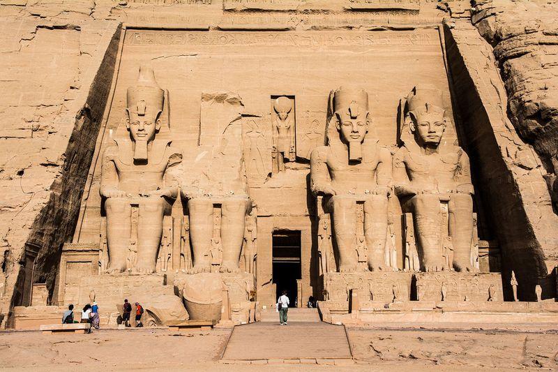 エジプトが誇る古代遺跡「アブ・シンベル神殿」へ!