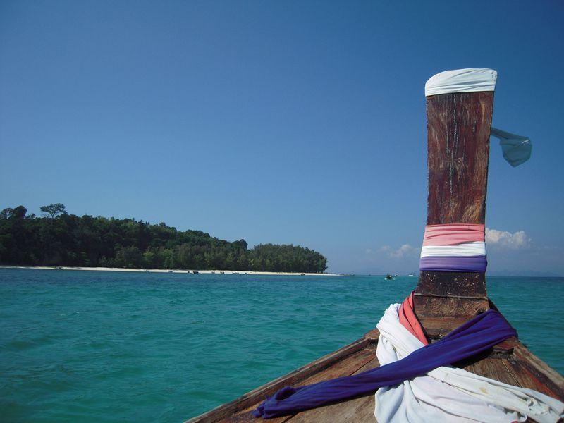 透明度抜群!タイ・ピピ島近くにある穴場の無人島「バンブー島」