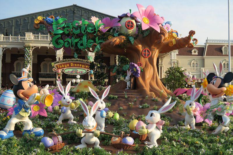 東京ディズニーランドでキャラクターのエッグをハント!注目のスーベニア付きメニューも!
