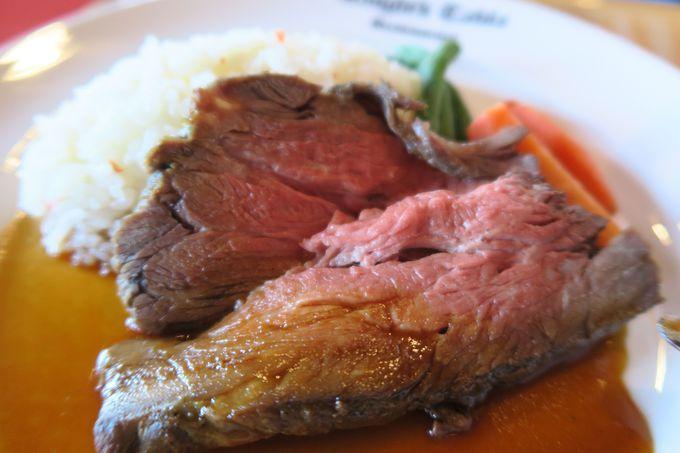 お腹がすいたらお城の中へ!「ナイト・テーブル・レストラン」