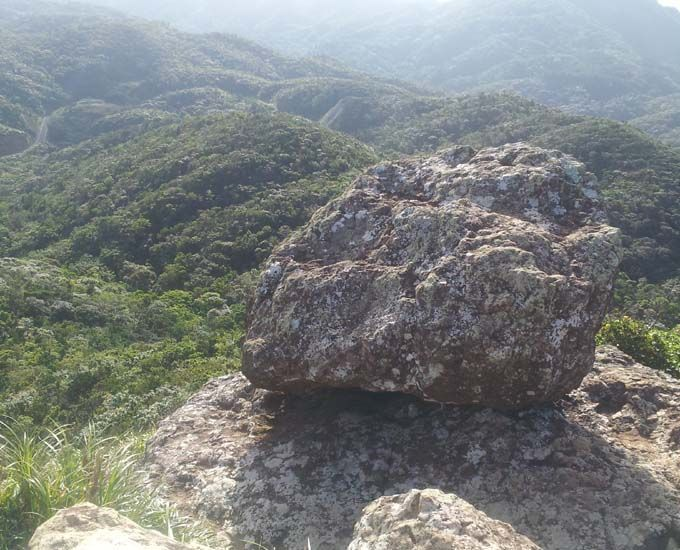 野底岳は、マーペー伝説が残る場所です。