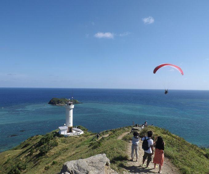 石垣島:どこまでも続く青すぎる海「平久保崎灯台」