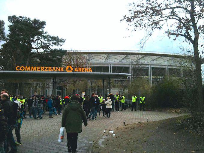 フランクフルトのスタジアムへのアクセスはとっても簡単!