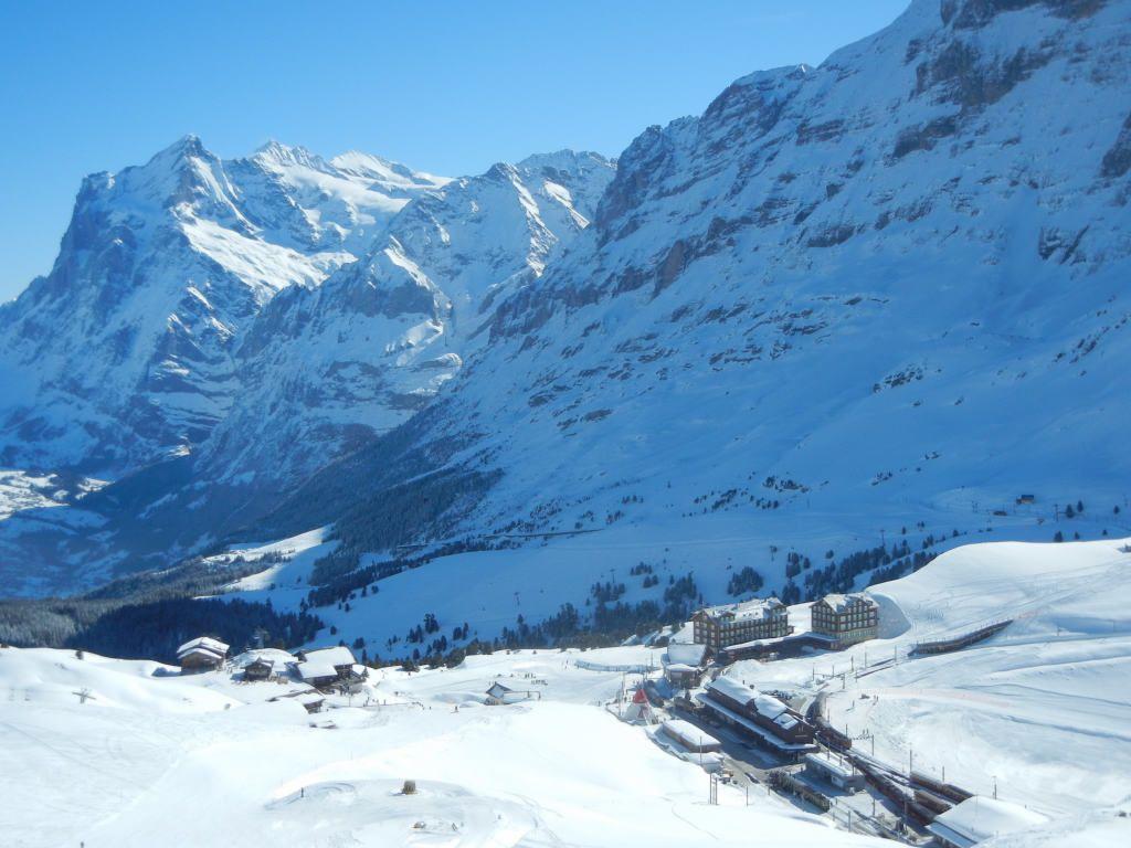 クライネ・シャイデックで絶景を楽しみながらスキーをしよう