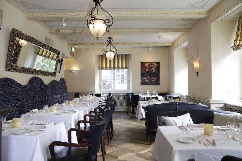ホテル・フロールホーフ、200年の歴史の元貴族の館で優雅な時を