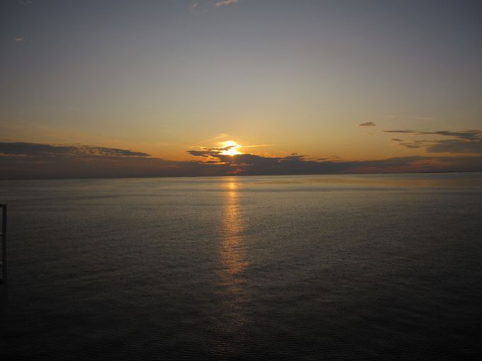 バルト海に沈む夕日、バルト海から昇る朝日を楽しむ