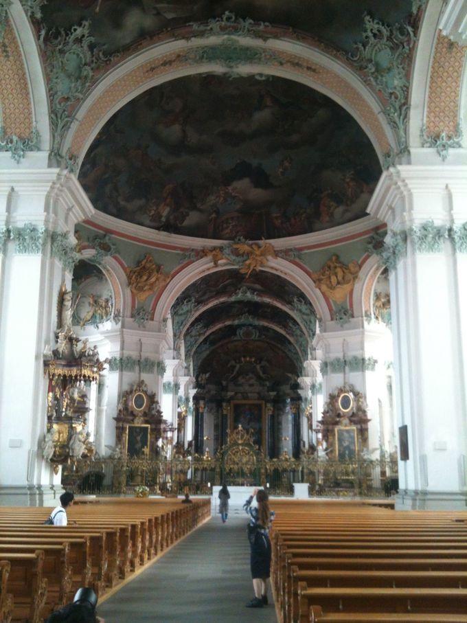 ザンクト・ガレン修道院の「大聖堂」及び「修道院付属図書館」