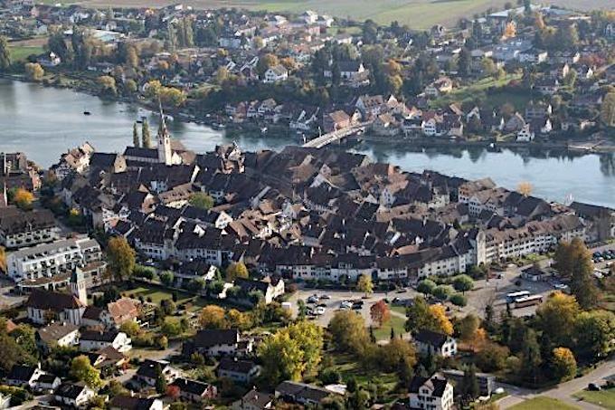 「ライン川の宝石」と呼ばれる町、シュタイン・アム・ライン