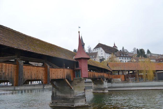 午前の観光 〜ルツェルンを象徴する橋巡り