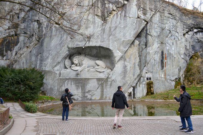 午後の観光 〜瀕死のライオン像と旧市街散策