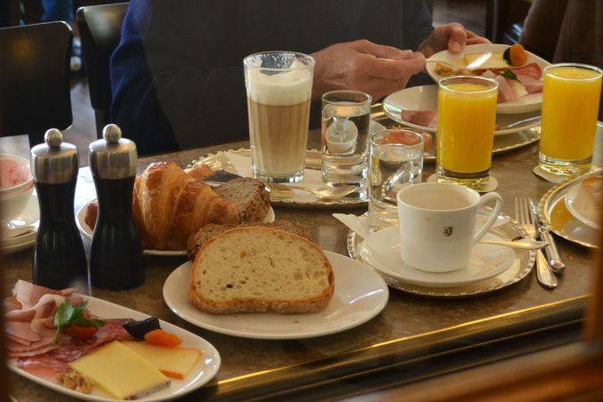 シュプリュングリのカフェ