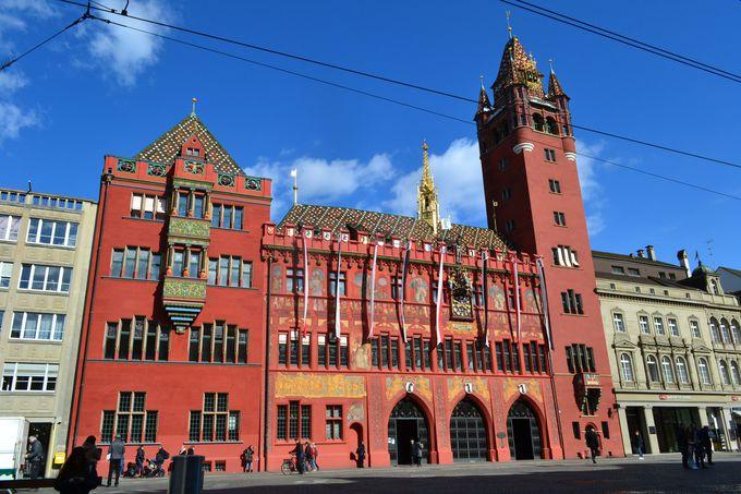 午前の観光 〜バーゼル大聖堂と市庁舎