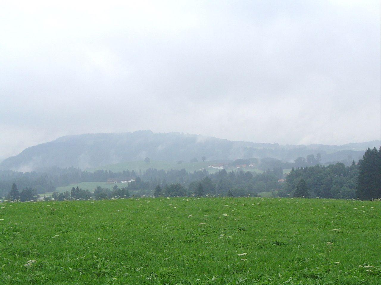 家がぽつりぽつりな美しい田園風景を楽しもう