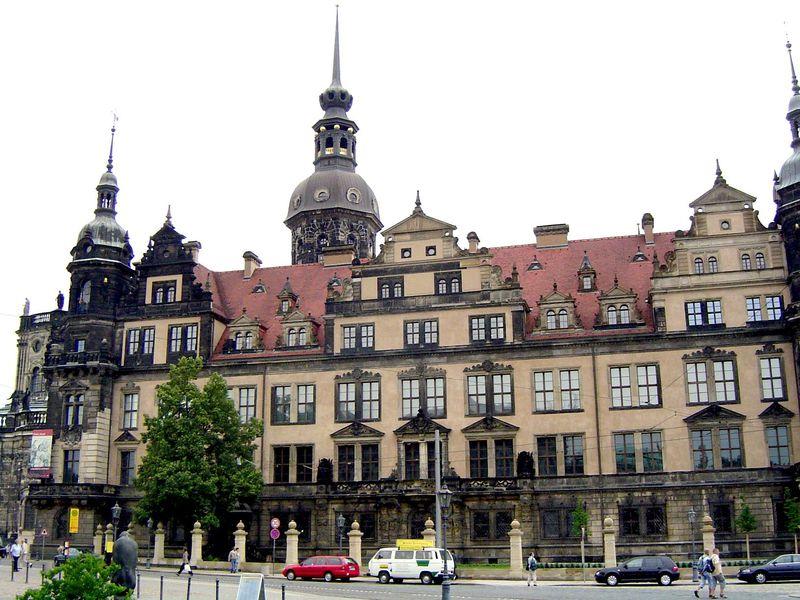 ベルリンから列車で約2時間 ドイツの美しき古都ドレスデン