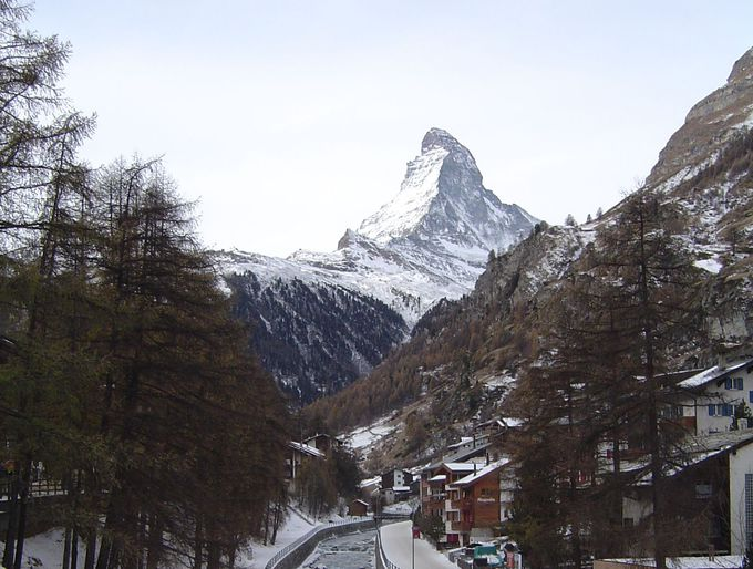 ツェルマットに着いたらマッターホルンを村から見よう!
