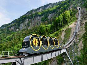 世界一急勾配!スイス・シュトース鉄道で「シュトース山」を登る