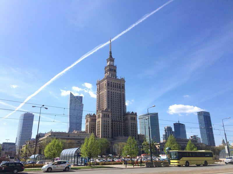 ポーランド「ワルシャワ」東欧らしさも残る近代的な中心市街地