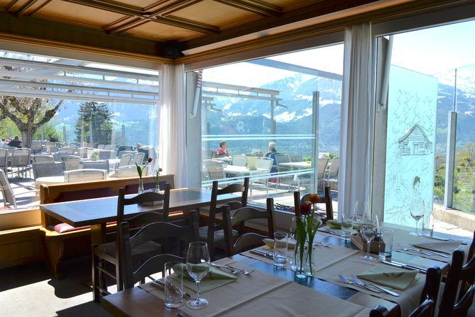 素晴らしい景色を見ながら食事を楽しもう!