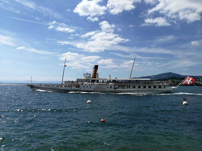 蒸気船でシヨン城を見に行こう