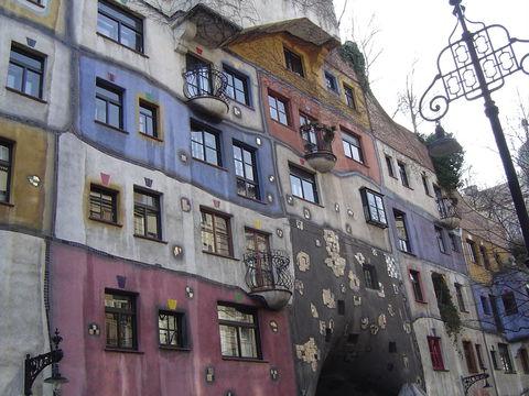 ウィーンのエコロジー芸術家「フンデルトヴァッサー」ゆかりの地を巡る