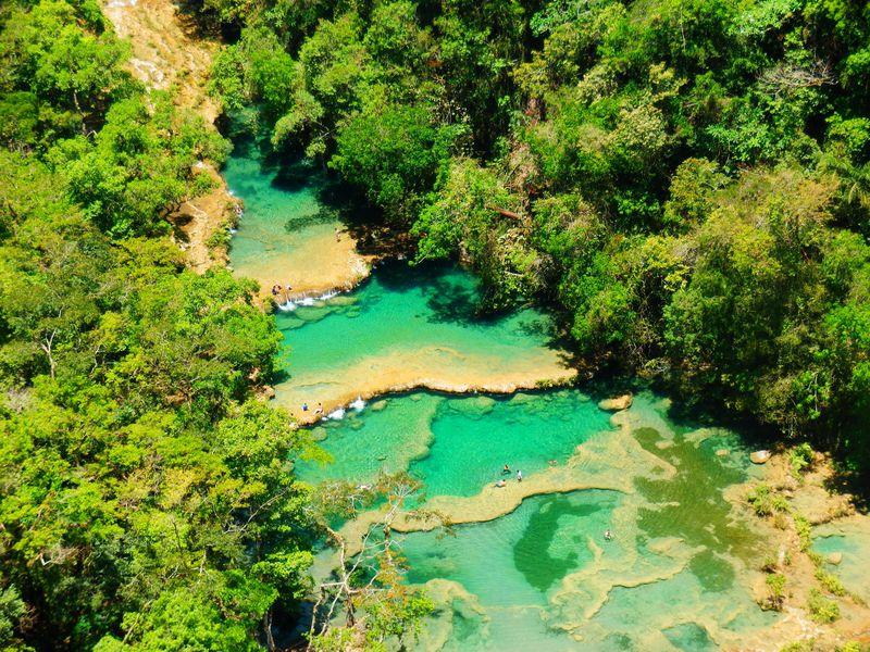 絶景の天然プール!グアテマラの秘境「セムク・チャンペイ」
