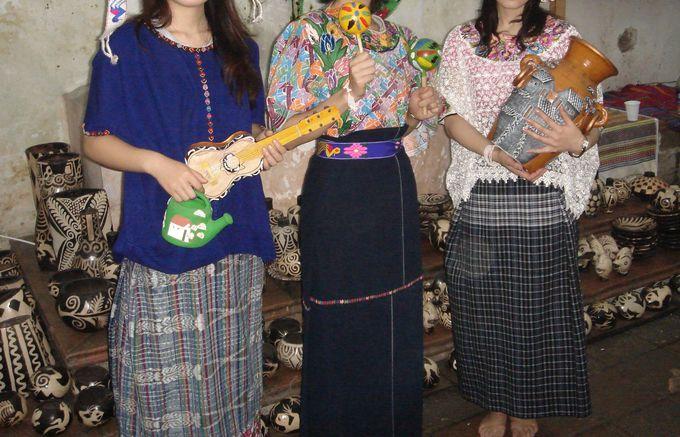 マヤの民族衣装を試着