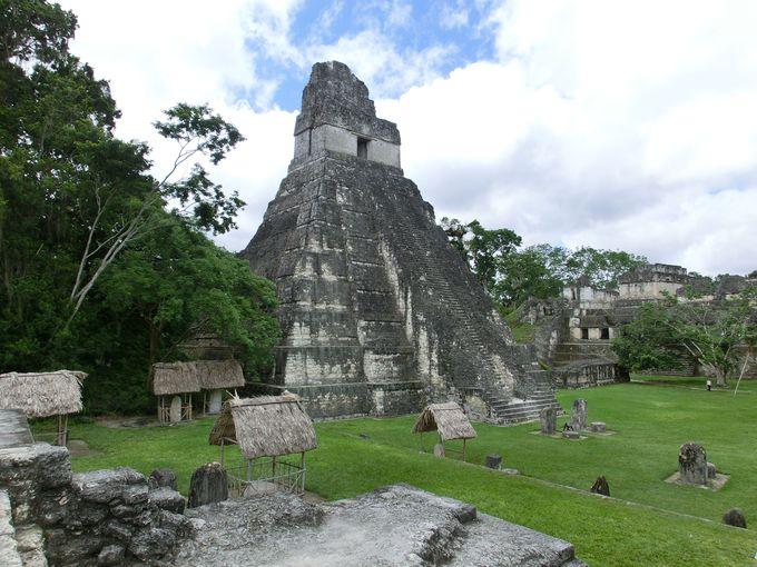 ティカルのシンボル、第一寺院