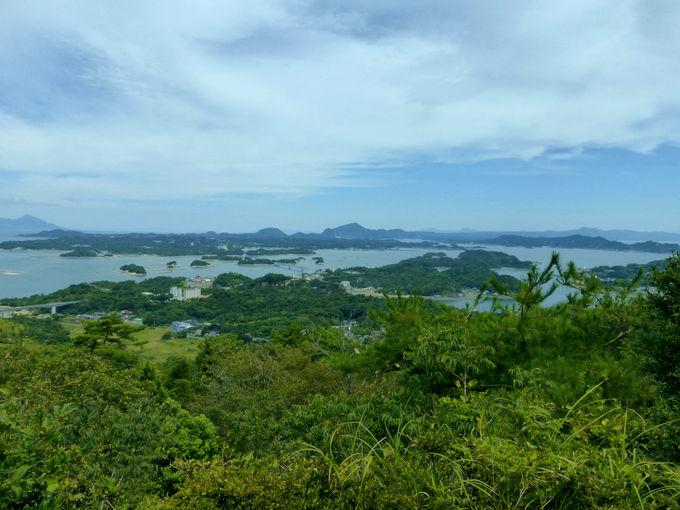 「千巌山展望所」では天草松島の大パノラマが楽しめます