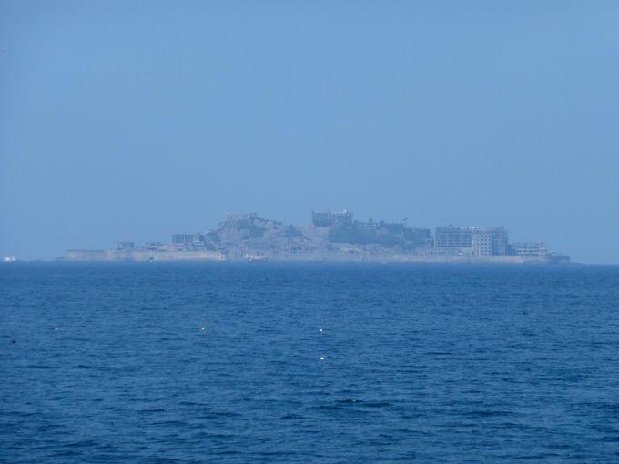 軍艦島を正面に望む砂浜!「高浜海水浴場」