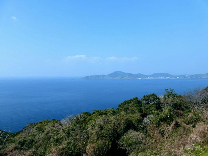 島の南端にある「樺島灯台公園」は樺島一番の絶景スポット!