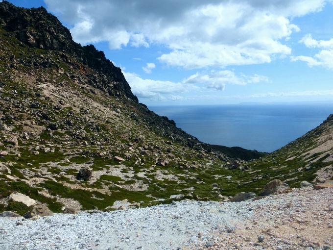 ラクラク登れて見事な絶景が楽しめる!「恵山展望台」