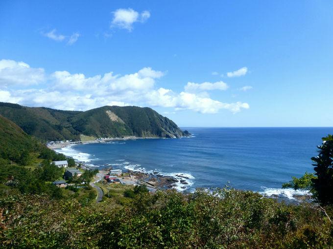 恵山へ向かう道中では是非「武井(むい)の島展望台」へ!