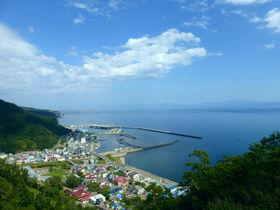 知床で国後島を見る!羅臼国後展望塔&クジラの見える丘公園