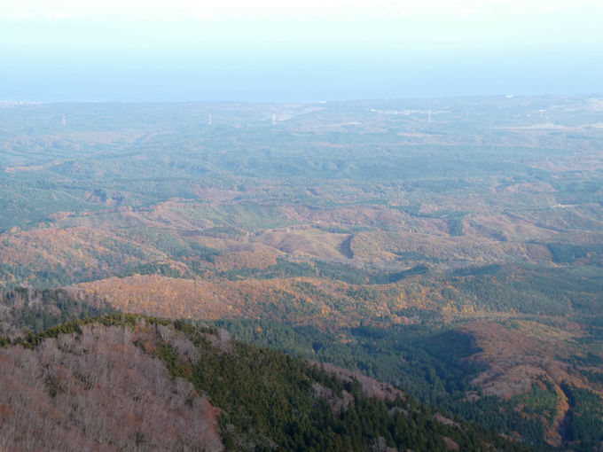 釜臥山の山頂からも素晴らしい景色が楽しめます