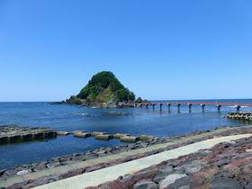 """ここが""""東北の江の島""""!?山形「白山島」で楽しむ鳥海山の絶景と海!"""