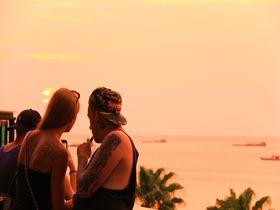 伝説の夜の街は夕陽も最高!カップル必訪「パタヤ」の楽しみ方
