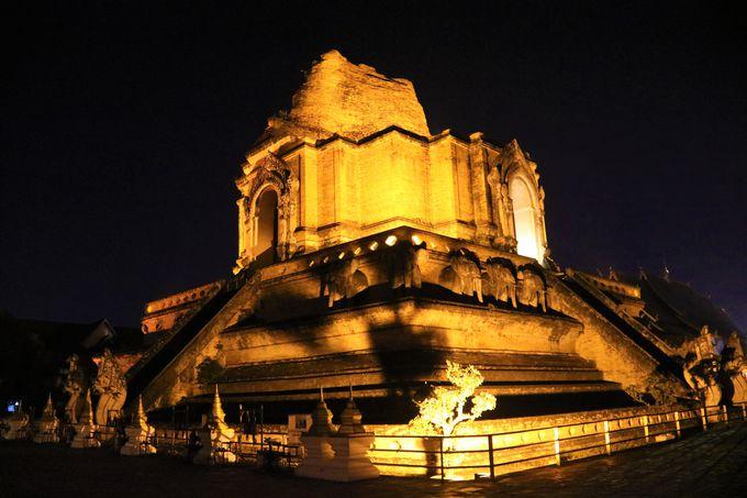 チェンマイ旧市街の中心寺院!ワット・チェディルアン
