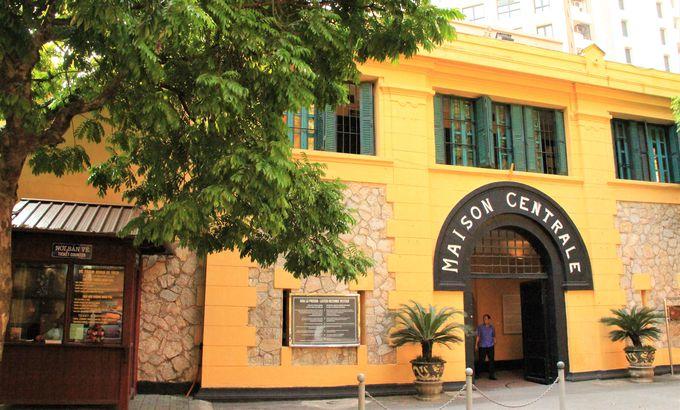 CNNが「東南アジアで最も怖い観光スポット」に選定!ホアロー収容所(Hoa Lo Prison)