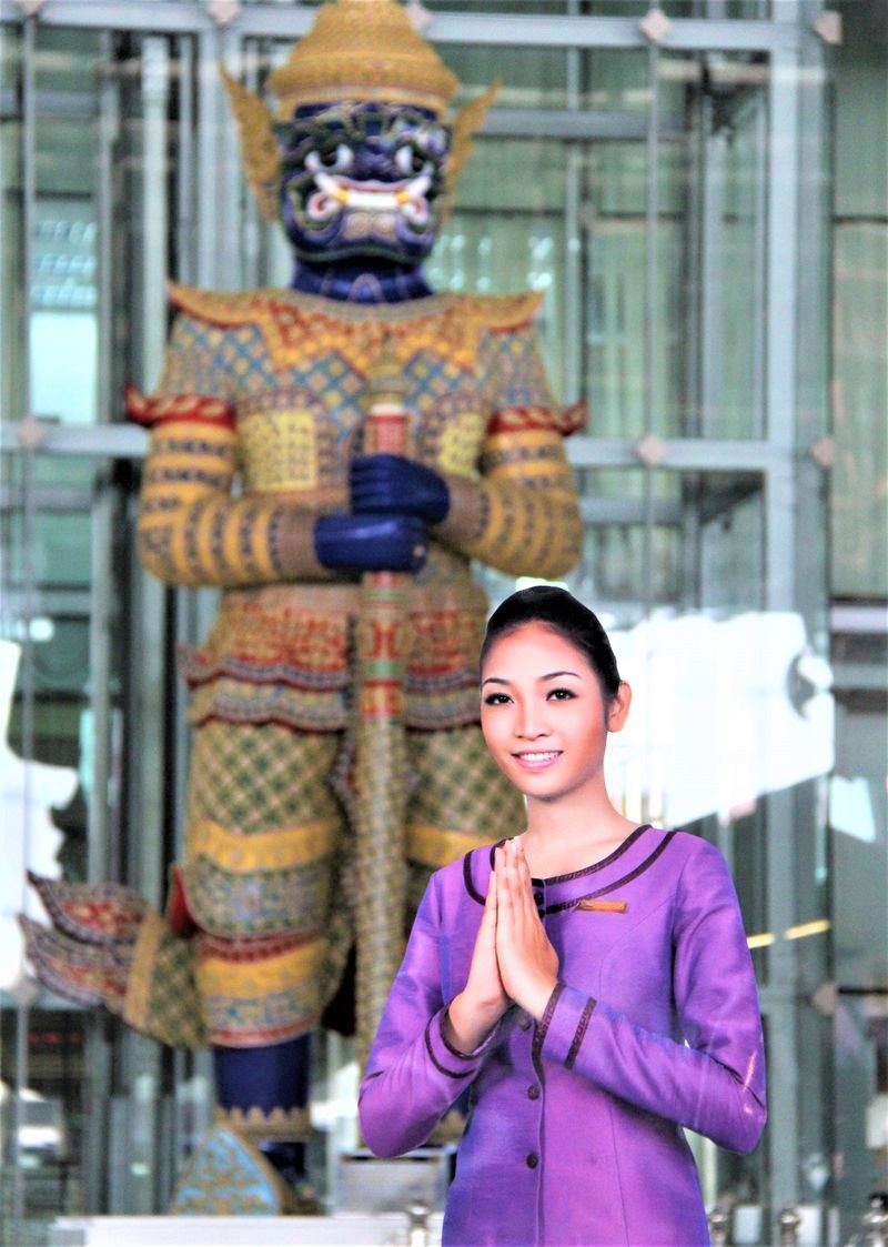 タイ・バンコクの「スワンナプーム国際空港」!飛行機待ち、乗り継ぎ時間でもタイを満喫