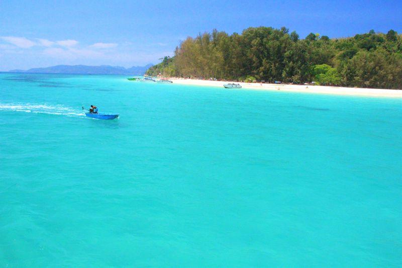 タイ・プーケットの近く!ピピ&バンブー島を巡る観光ツアー