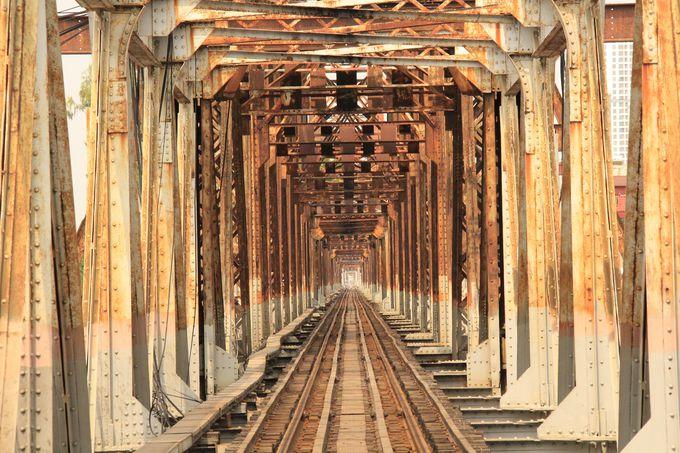 「倒れたエッフェル塔」「鉄の千本鳥居」ロンビエン橋は鉄の芸術